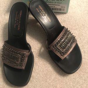 Beautiful Donald J Pliner pewter sandals